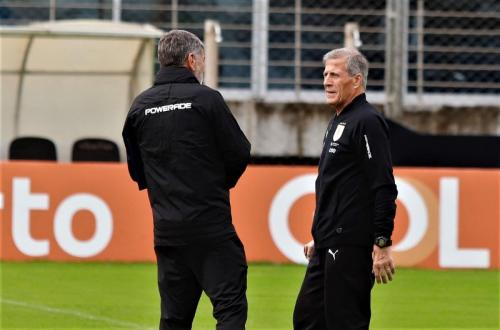 Pelatih Timnas Uruguay Oscar Tabarez (Foto: Uruguay/Twitter)