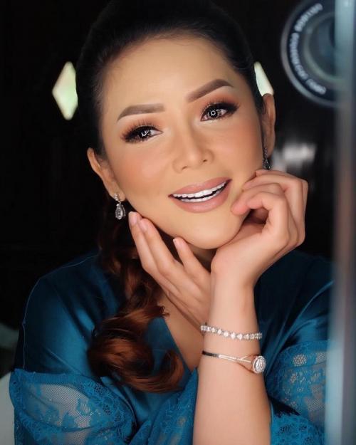Bercerai dari Al Amin Nur Nastution, Kristina memilih untuk menjanda hingga kini. (Foto: Instagram)