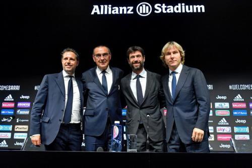 Maurizio Sarri diperkenalkan sebagai pelatih baru Juventus