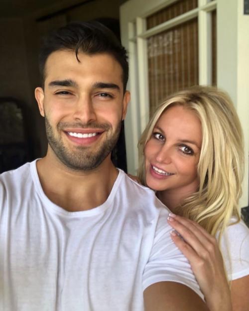 Meski tak mengantongi izin untuk menikah kembali, Britney Spears tetap memacari kekasih berondongnya, Sam Asghari. (Foto: Instagram)