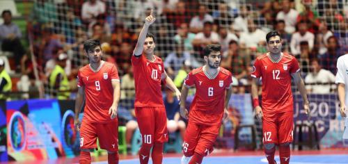 Suasana laga Timnas Futsal Indonesia U-20 saat melawan Iran di perebutan posisi ketiga Piala Asia Futsal U-20 2019.