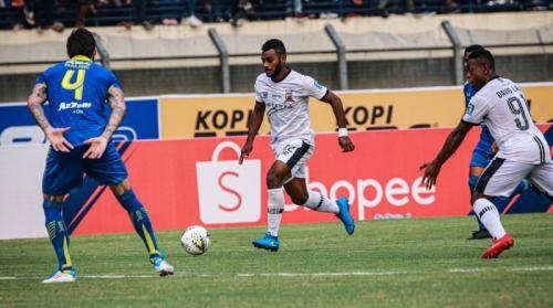 Suasana laga Persib Bandung vs Madura United
