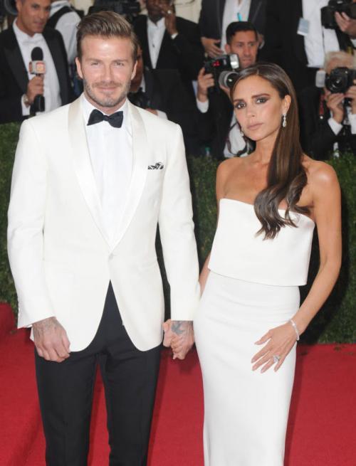 david beckham gaun putih