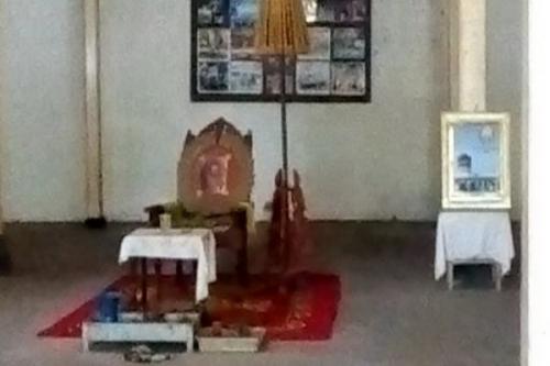 Kursi tempat Raja Kraton Solo bersantai