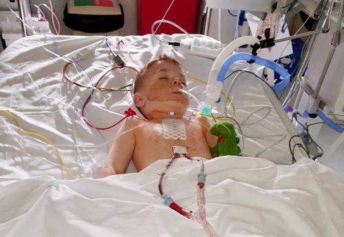 Anak di rumah sakit