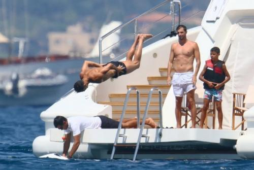 Ronaldo liburan