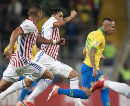 Laga Timnas Brasil vs Paraguay