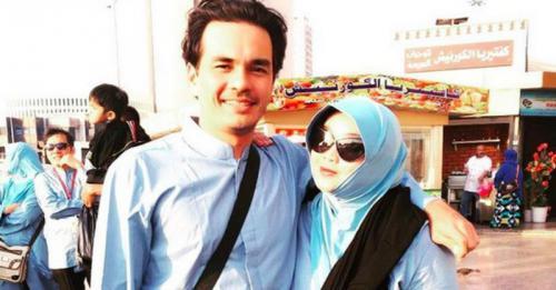Teddy Syach dan Rina Gunawan.