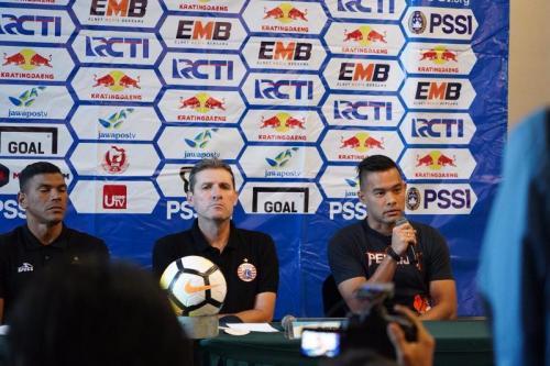 Andritany saat di konferensi pers Persija vs Borneo