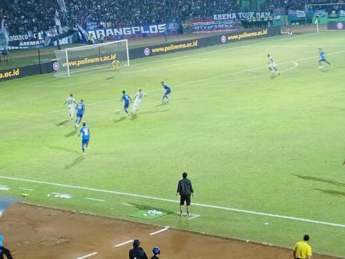 Arema FC vs PS Tira-Persikabo (Foto: Avirista Midaada/Okezone)