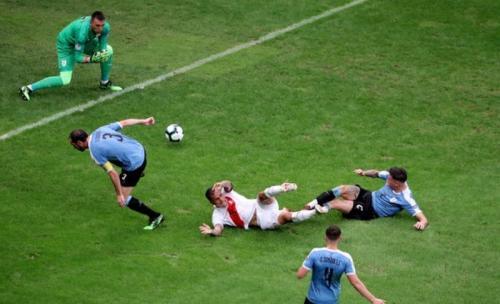 Timnas Peru berhasil menyingkirkan Uruguay