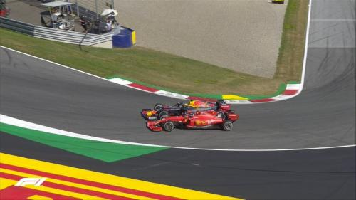 Charles Leclerc menilai manuver Max Verstappen terlalu agresif (Foto: F1/Twitter)