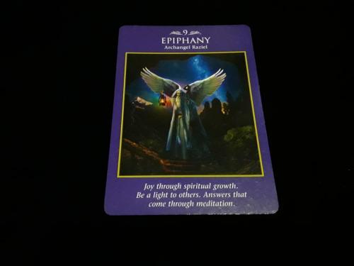 Dengan bantuan Malaikat Raziel, kamu akan menemukan kembali cahaya dalam dirimu.