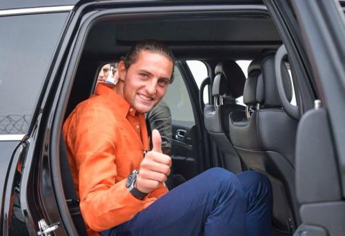 Rabiot tiba di markas Juventus