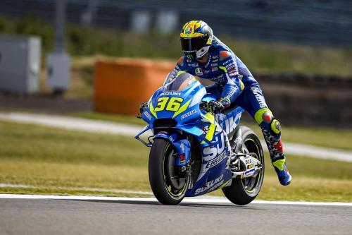 Joan Mir tampil dalam sebuah balapan di MotoGP 2019