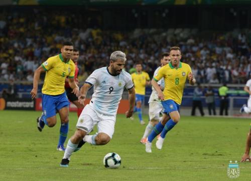 Laga Timnas Brasil vs Argentina