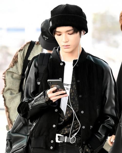 Taeyong hitam