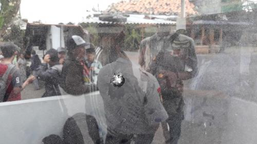 Pos polisi Siluwok di Jalan Nasional Yogyakarta-Purworejo Kilometer 35 Kulonprogo ditembak OTK. (Foto : Kuntadi)