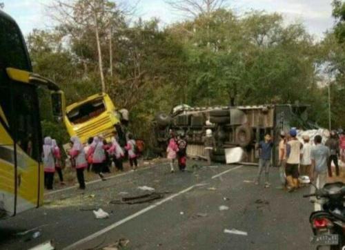 Kecelakaan Beruntun di Situbondo