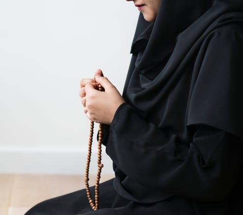 Istri berdoa agar suami tak terkena godaan pelakor