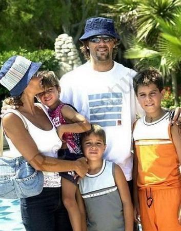 Gabriel Batistuta bersama sang keluarga