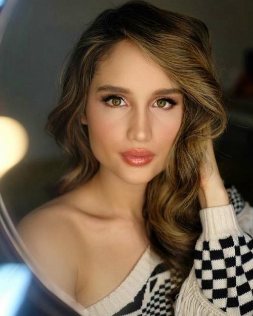 Keputusan Cinta Laura untuk mundur sejenak dari medsos didukung fans dan rekan selebriti. (Foto: Instagram)