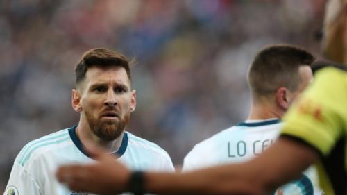 Messi protes gara-gara wasit