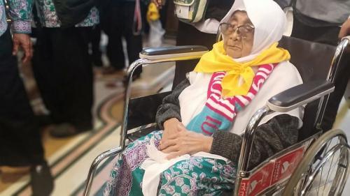 Jamaah haji berusia 93 tahun (foto: Widi/Okezone)
