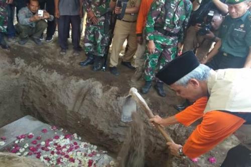 Pemakaman Sutopo
