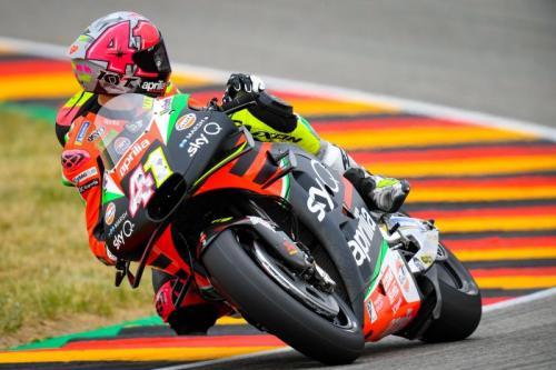 Aleix Espargaro tampil pada sebuah balapan