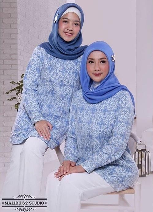Desy Ratnasari hijab