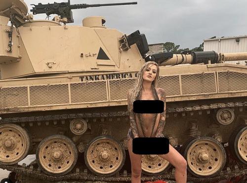 Wanita seksi