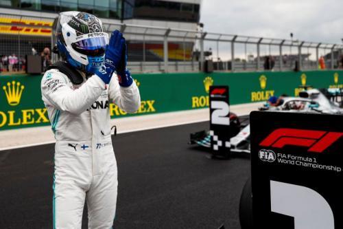 Bottas saat balapan membela tim Mercedes