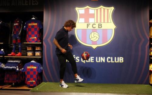 Barcelona dinilai mendekati Antoine Griezmann secara ilegal (Foto: Barcelona)