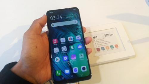 Permintaan pasar smartphone di Indonesia tampaknya semakin meningkat.