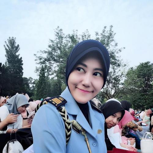 Sandhyca Putrie Hijab Instan