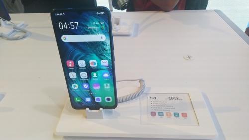 Vivo pada hari ini meluncurkan ponsel terbaru, Vivo S1.