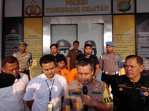 Kapolres Tangsel AKBP Ferdy Irawan saat merilis kasus pemerkosaan siswi SMP di Tangsel. (Foto : Hambali)