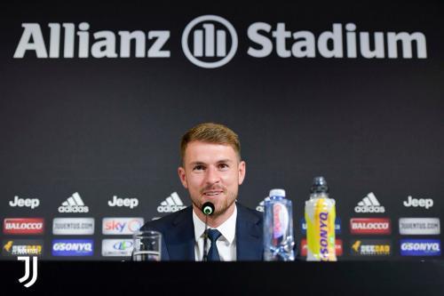 Aaron Ramsey saat pertama kali diperkenalkan sebagai pemain Juventus