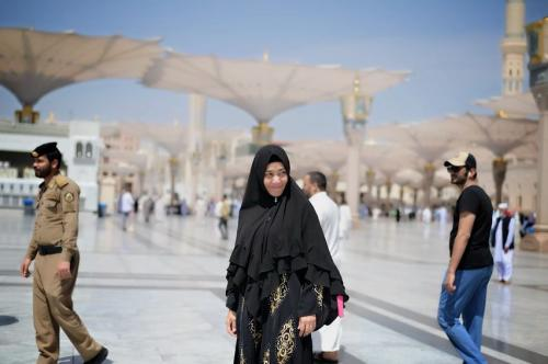 Sandhyca Putrie Hijab Hitam