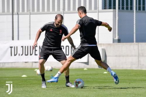 Higuain dan Cristiano Ronaldo