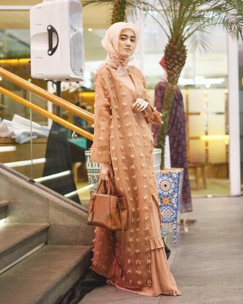 Sindy Havresthino hijab blouse