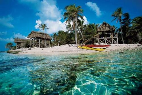 Saat Anda berkunjung ke pulau-pulau yang ada di Belize, Anda akan merasa pulau itu layaknya milik pribadi.