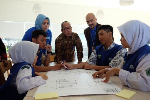 PT XL Axiata Tbk (XL Axiata) berkomitmen untuk mendukung program pemerintah di bidang pengembangan pendidikan.