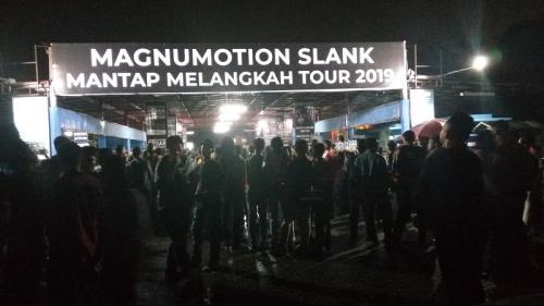 Slank tampil di Magnumotion-Mantap Melangkah Tour 2019 di Medan, pada 18 Juli 2019. (Foto: Okezone/Lidya Hidayati)