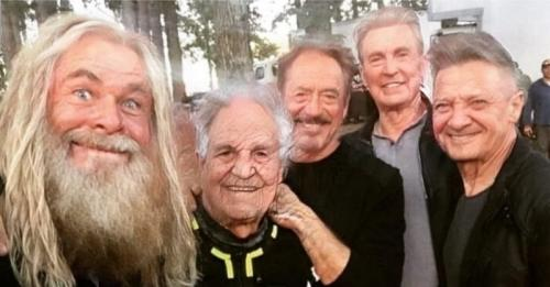 Ketika para aktor Avengers menaklukkan Age Challenge. (Foto: Instagram)