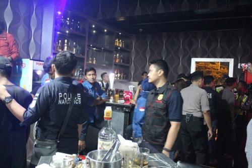 Razia Tempat Hiburan Malam di Tangsel, 4 Pengunjung Positif Narkoba (Foto : hambali)