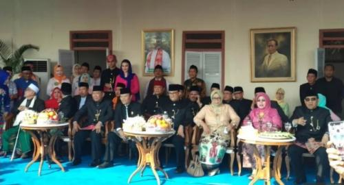 Gubernur DKI Jakarta Anies Rasyid Baswedan hadiri Lebaran Betawi di Monas. (Foto: Fadel Prayoga/Okezone)