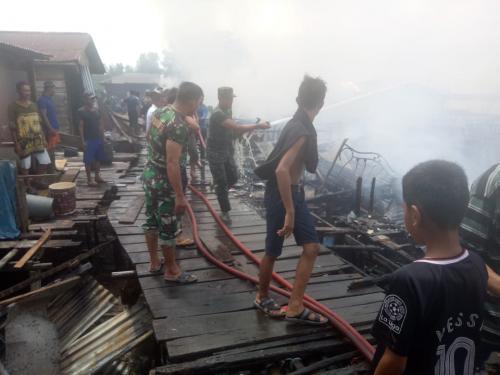 Rumah nelayan terbakar