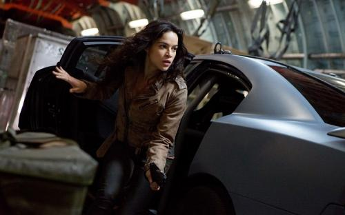 Michelle Rodriguez dalam Fast & Furious. (Foto: Universal Pictures)